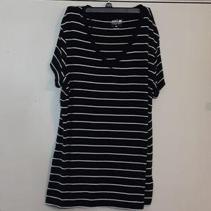 Apt 9 soft striped XL essential tshirt
